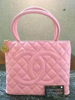Vintage Chanel櫻花粉魚子醬金牌手提袋handle 28x25x15cm