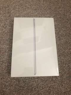Ipad 5th generation wifi+cellular BNIB