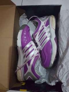 Sepatu golf adidas ladies