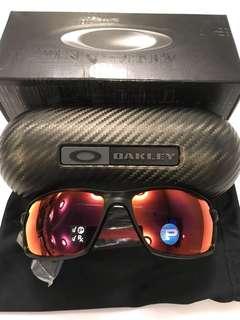 New Oakley polarized Carbon Shift matte black/ torch fiber