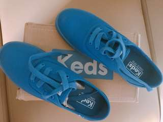 Dark Blue Keds sneakers