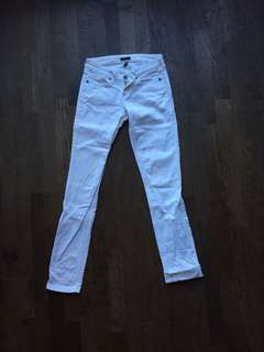 White denim size 26