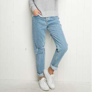 brandy mom jeans