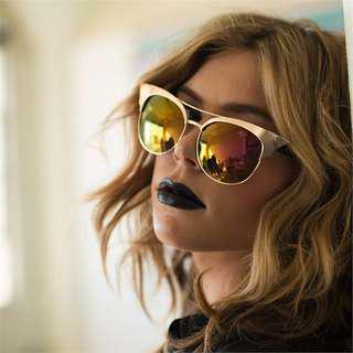 Quay Zig sunglasses in Gold (discontinued)