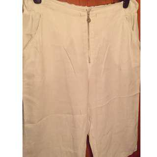 White mid-calf culotte pants