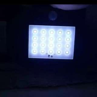 太陽能 LED 人體感應燈 無需用電                           jjjj