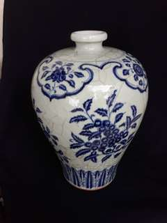 Ming dynasty Xuande Mark B n W plum shape vase decirated with flowers 43cm high. 大明宣德年款青花花卉到代珍品。condition 9.8/10. Price neg.