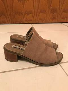 Steve madden nude suede mules size 6