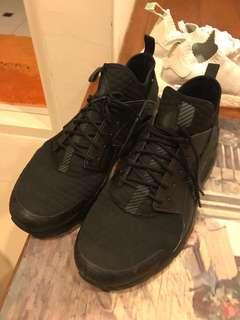 🚚 Nike 黑武士  US10