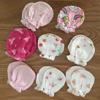 Baby mittens (bundle of 8 pairs)