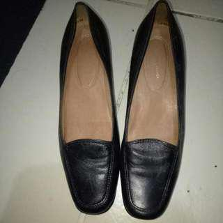 Easy spirit black shoes
