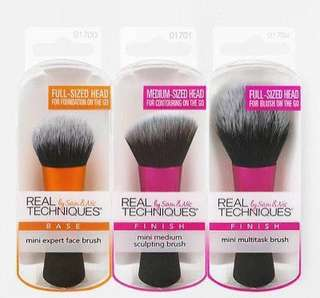 🌟INSTOCK🌟Authentic Real Techniques Mini Brush