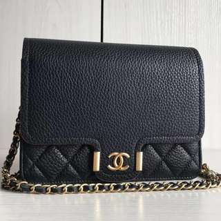 Chanel SS18 Clutch With Chain (Just look at the price without looking at quality.Please bypass,Tq)