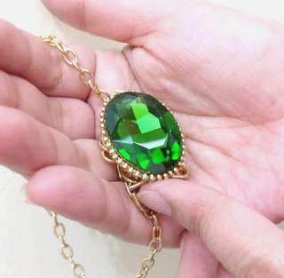Emerald Crystal with Gold Chain Necklace 💚💚💚