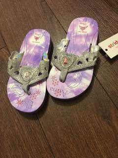 NEW Stride Rite Elsa and Anna slippers (US9)
