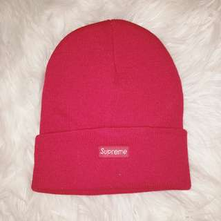 'Supreme' Beanie in Red