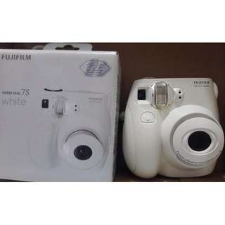 Fujifilm instax camera mini 7s (price includes shipping)