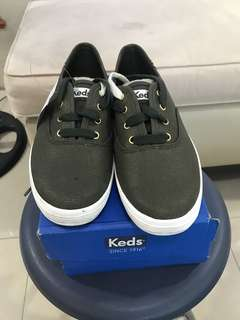 Keds ch metallic canvas forest green size 8