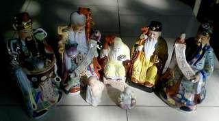 Patung Dewa keramik