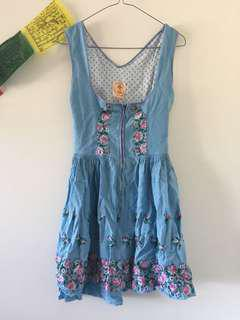 Pretty blue dress with embroidered flowers