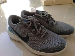 Sepatu Running Nike Flex