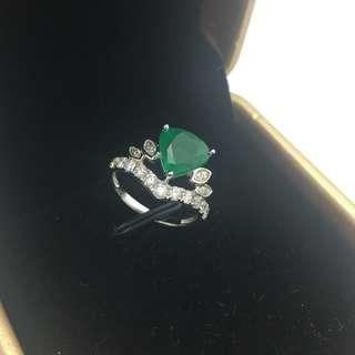 2卡30份綠寶 68份鑽石 18K白金戒指 2.30ct Emerald 0.68ct Diamond Ring 可議價