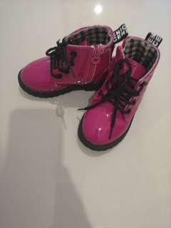 Kids boots size23