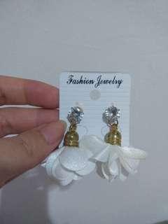 White rose earring