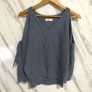 Knitted Cold Shoulder Long Sleeves