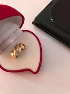 18K Japan Gold Ring with Titus Diamonds