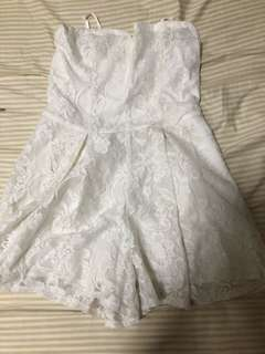 Hollister white lace romper HCO白色蕾絲連身褲連體褲短褲A&F Abercrombie & Fitch AF