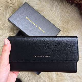 Authentic Charles and Keith wallet (new)