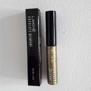 Lakme Absolute Reinvent Shine Line