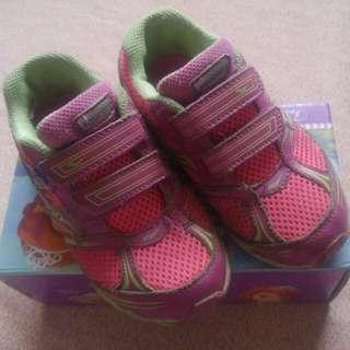 Authentic Saucony Rubber Shoes Sz27