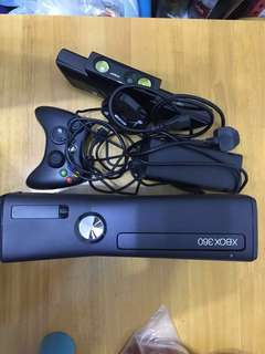 Xbox 360(4gb) +Kinect+zoom+controller+送Kinect adventures