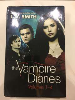 Vampire Diaries Volume 1-4 (Box Set)