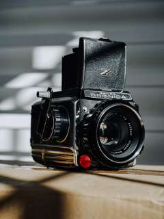 Bronica S2 75mm F2.8 lens