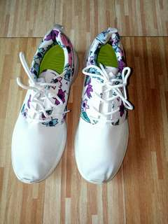 ☔Nike Shoes White