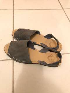 Urban outfitters ecote leather sandals size 6