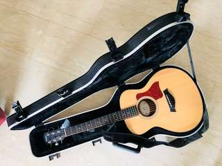 Taylor special edition GS Mini-E c/w on- board ES-Expression pickup with NEW Hard shell.