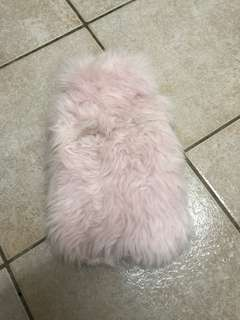 Super cute pink faux fur waterbottle