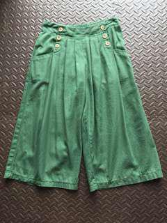 墨綠色闊褲