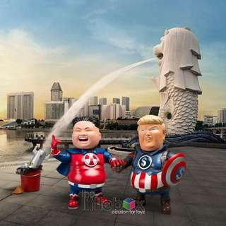 11.45cm tall The Leadershit Series Vinyl Toy Figure Captain Trump & Super Kim by Stingrayz Art Studio