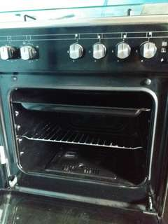 Technogas 4 burner gas range with 'Gas/electric Oven