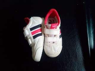Adidas unisex size 7 14cm