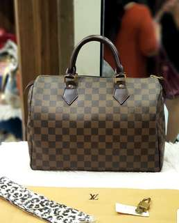 Lv Speedy 30 Damier Ebene ❤️BIG SALE P39k ONLY❤️ In excellent condition With dustbag lock keys and free twilly Swipe for detailed pics  Cash/card/layaway accepted
