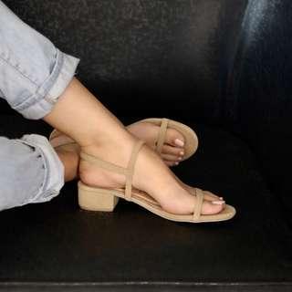 Block sandals beige