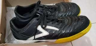 Football Shoes Uk.42