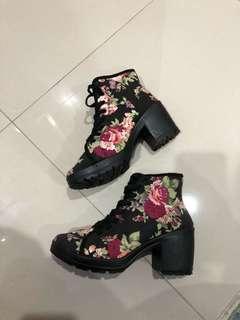 Floral wavezone heels boots