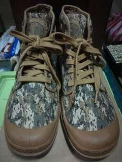 Palldium Boots
